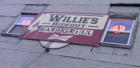 Opinions: Staff members review Willie's Hideout, AeroJuice and other local restaurants